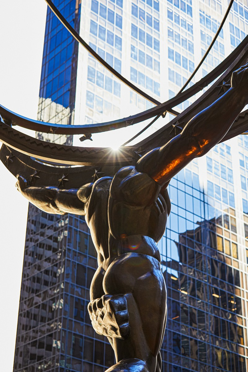 Zeus sculpture at the entrance of Rockefeller Center